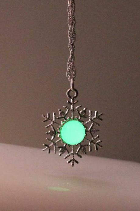 Free Shipping Snowflower Glowing Necklace, Turquoise Glowing Necklace, Birthday Gift, Gifts For Her