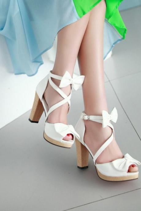 Adorable White Strappy Sandals With Bow