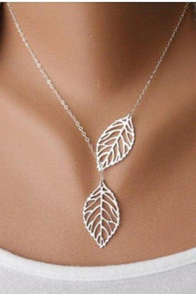 Openwork Leaf Pendant Necklace
