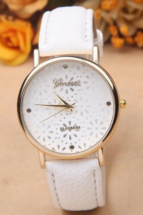 Flower Watch, White Leather Watch, Pretty Leather Watch, Bracelet Watch, Vintage Watch, Retro Watch, Woman Watch, Lady Watch, Girl Watch, Unisex Watch, AP00217