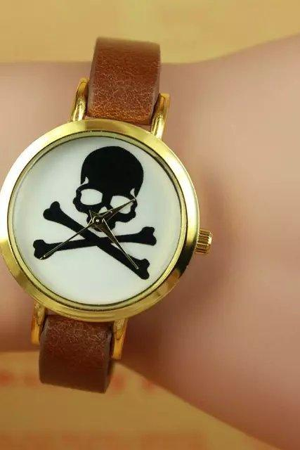 Skull watch, brown leather watch, leather watch, bracelet watch, vintage watch, retro watch, woman watch, lady watch, girl watch, unisex watch, AP00261