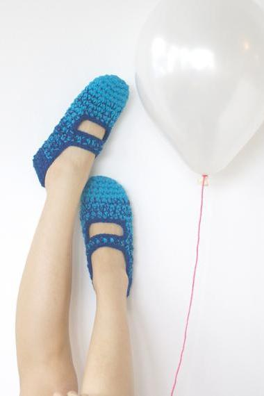 Blue Lagoon: Women's Crochet Mary Jane Slipper Socks