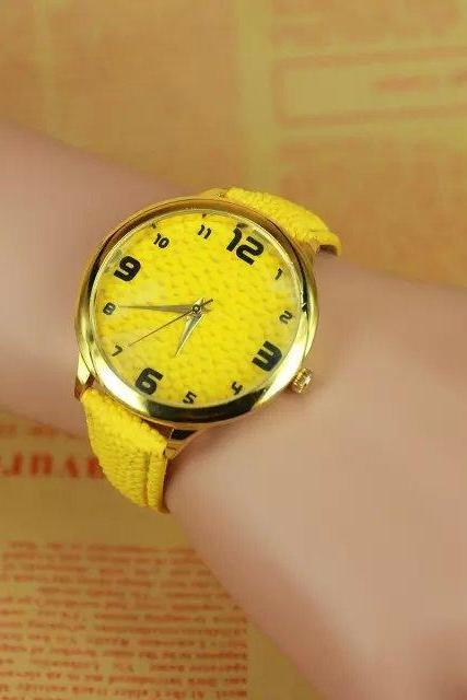 concave-convex watch, yellow leather watch, bracelet watch, vintage watch, retro watch, woman watch, lady watch, girl watch, unisex watch, AP00292