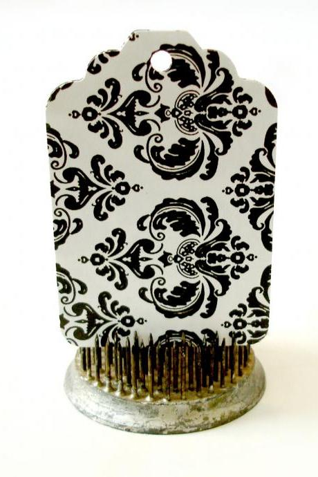 Black and white damask gift tags 2 dozen