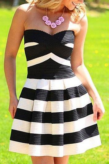 Sweet Strapless Black and White A Line Dress