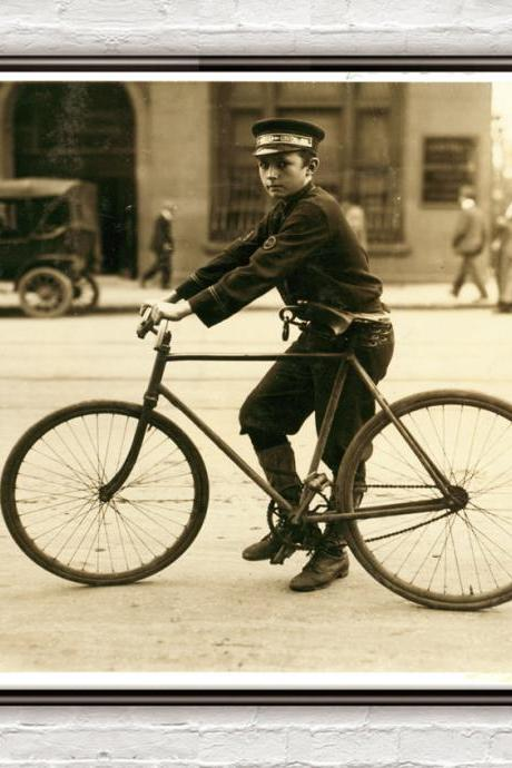 Lewis Hine A typical bike messenger, Birmingham, Alabama 1914