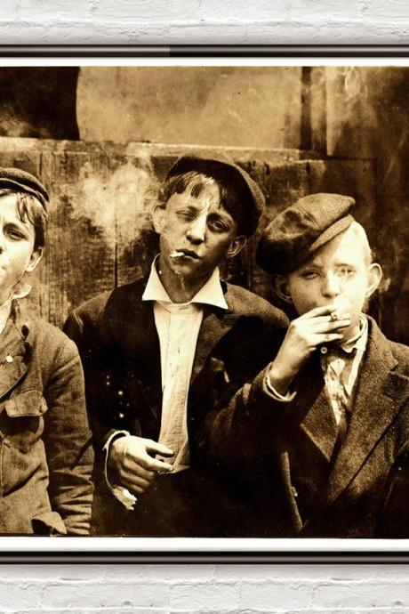 Lewis Hine Newsies smoking at Skeeter's Branch, St. Louis, 1910
