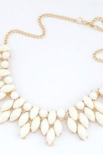 Summer style statement jewelry white woman necklace