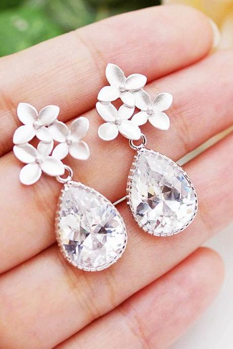 Wedding Jewelry Bridal Earrings Bridesmaid Earrings flower ear posts with Clear White cubic zirconia Tear drops