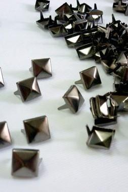 100x11mm Gunmetal Pyramid STUDS Metal Punk Rock Biker Spikes spots Heavy DIY S411
