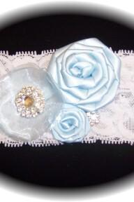 White and Light Blue Garter 512