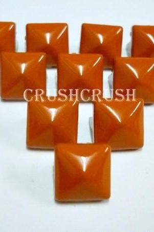50pcs 8mm Orange PYRAMID Studs Punk Rock Biker Spikes spots EMO S1108