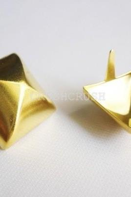 50pcs 19mm Gold Pyramid Studs Goth Biker Studded Leather Craft S319