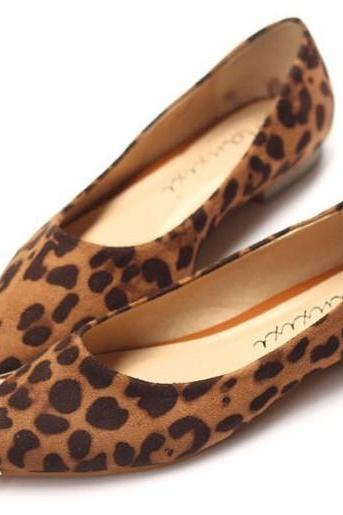 Pointed-Toe Leopard Print Flats Shoes