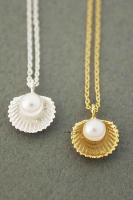 Pearl and Scallop Seashell Pendant Necklace in silver / gold, N0514G