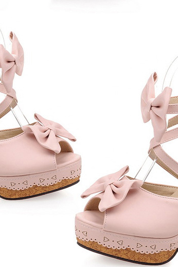 Adorable Strappy pink Sandals With Bow