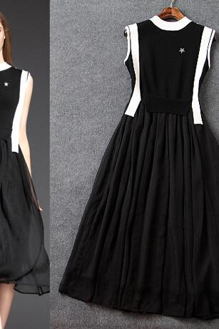 The European And American Fashion Black And White Colours Sleeveless Dresses