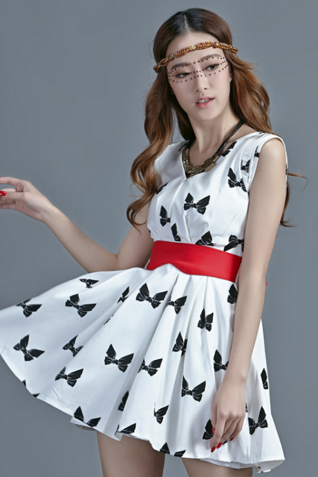 Fashion v-neck butterfly printed sleeveless dresses Fabric: polyester fiber