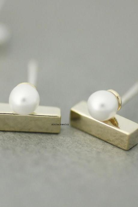 Pearl and Cubic Ear cuff style,Ear Crawler,Climber, Ear pin Stud Earrings in 3 colors ,E0383S