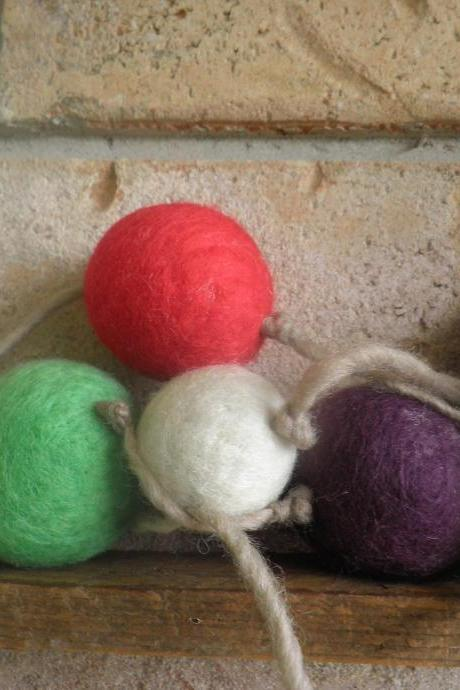 Waldorf Inspired. Wool Ball Garland TOY. Vibrant colours. Felted wool ball toy set. Baby toy, toddler toy, room decor.