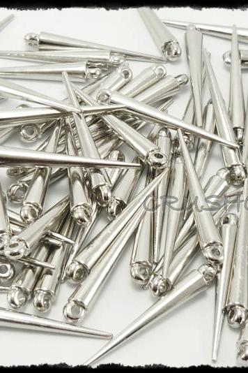 FREE SHIPPING -- 50pcs 1-3/8' (36mm) Silver Basketball Wives Spikes Charms Pendants Beads X32