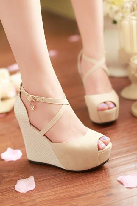 Newest fashion strappy comfortable platform sandals womens open toe high heel sandals