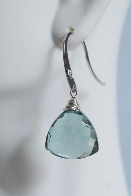 Gorgeous Sage Green Quartz Dangle Gemstone Earrings