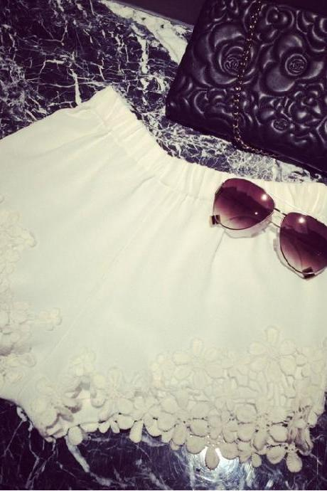 LACE FASHION PURE COLOR SHORTS