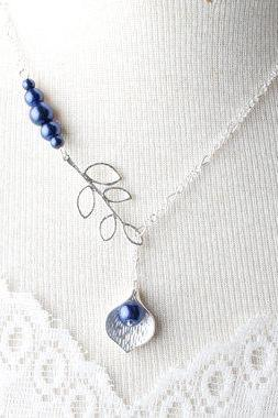 Navy Bridesmaid necklace, Silver calla lily necklace and navy pearl, Navy wedding jewelry, made of honnor gift , Navy blue necklace
