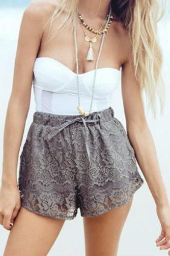 HOT LACE SHORTS