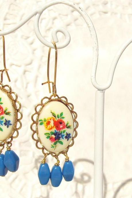 Raindrops - Vintage Floral Earrings