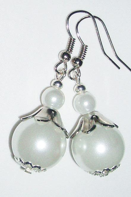 BUY 4 - GET 1 pair earrings FREE..Glass pearls wedding bride bridesmaid -affordable gift
