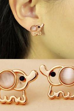 LOVELY ELEPHANT STUD EARRINGS