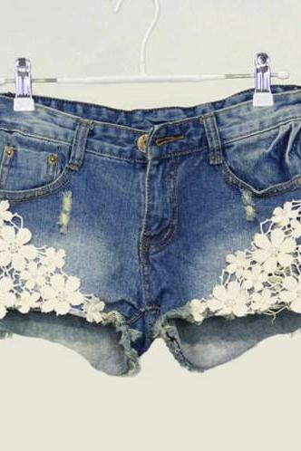 PEARL LACE FLOWER BROKEN COPPER JEAN SHORTS
