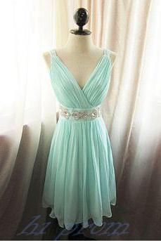 Mint Green Homecoming Dress,Straps Homecoming Dresses,Chiffon Homecoming Gowns,Cute Party Dress,Knee Length Prom Gown,Cocktails Dress,Bridesmaid Dress With Beadings