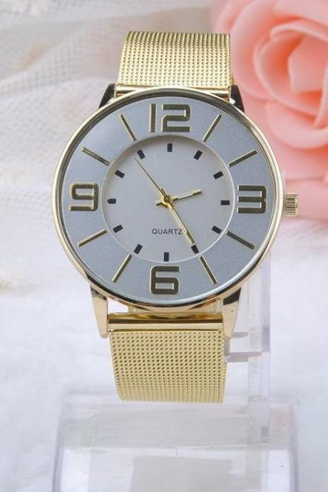 Luxury gold colored band fashion elegance watch