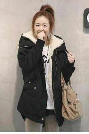 Women's Thick Swallow Tail Lamb Fur Coat