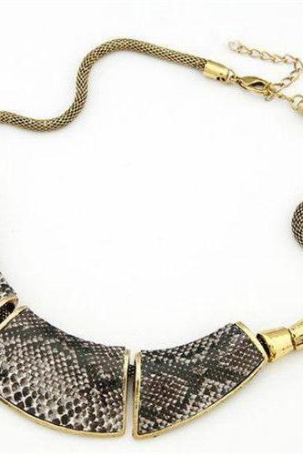 Choker vintage fashion woman necklace