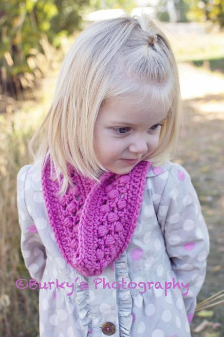 Inifinity Scarf Crochet Pattern for Women and Girls