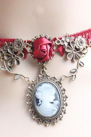 Beautiful Red Vintage Lace Design Necklace