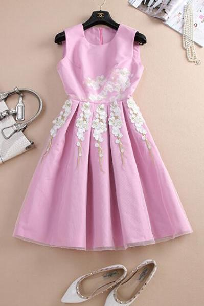 Round Collar Luxury Embroidery Waist Dress