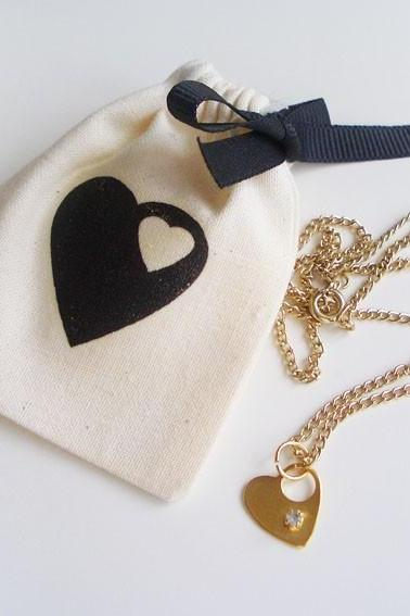 Mini heart & rhinestone gold necklace (16') with matching pouch