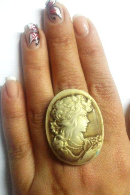 Lovely cameo adjustable ring- Choose color