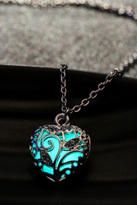 Luminous Glow In The Dark Hollow Heart Locket Pendant Necklace