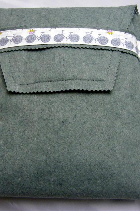 Ipad Cover - Grey Felt with Bicycle Patterned Cotton