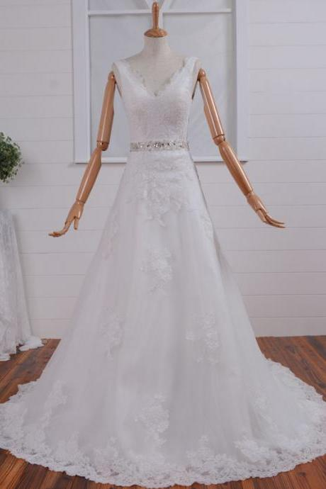 Romantic White V-Neck Lace Applique Chapel Train Wedding Dress A-line Bridal Gown With Beaded Sash Tulle Wedding Dresses