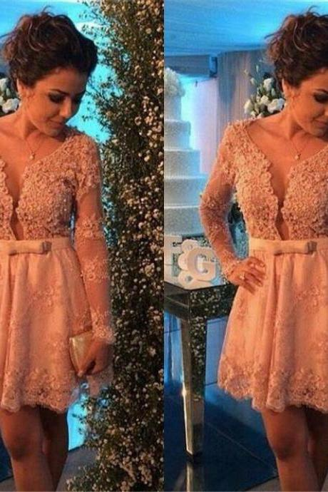 2017 Champagne Lace Cocktail Dresses with Long Sleeves Sexy Short Party Dresses Mini Homecoming Party Gowns Vestidos de Venda
