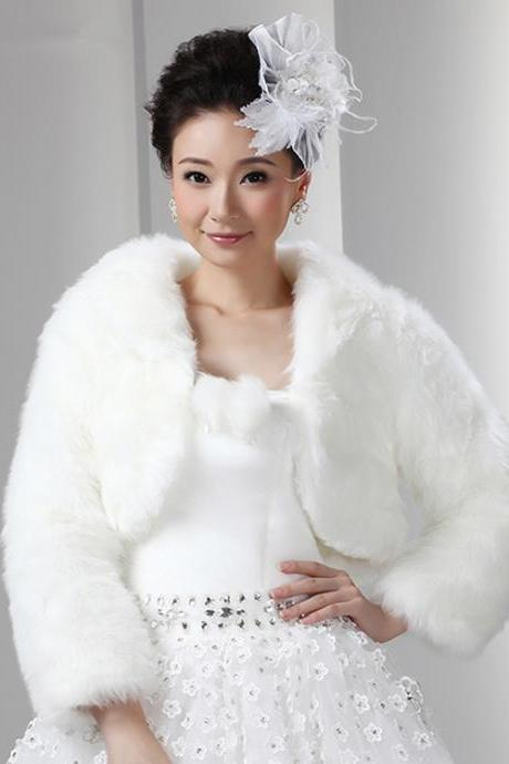 Short White Artificial Fur Bolero With Long Sleeves Women Faux Fur Winter Coat Bridal Wedding Jacket