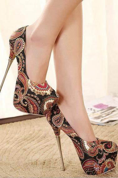 Charming Paisley Design High Heels Fashion Shoes