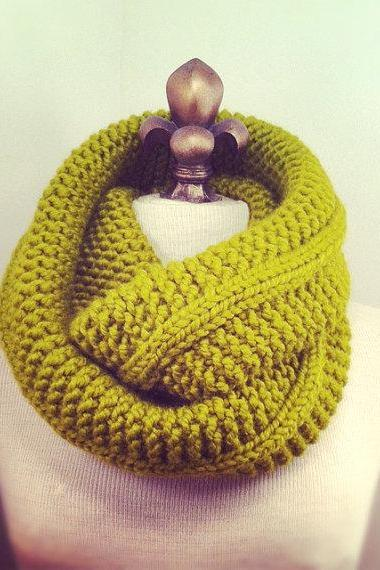 Chunky Infinity Cowl Scarf - Chartreuse